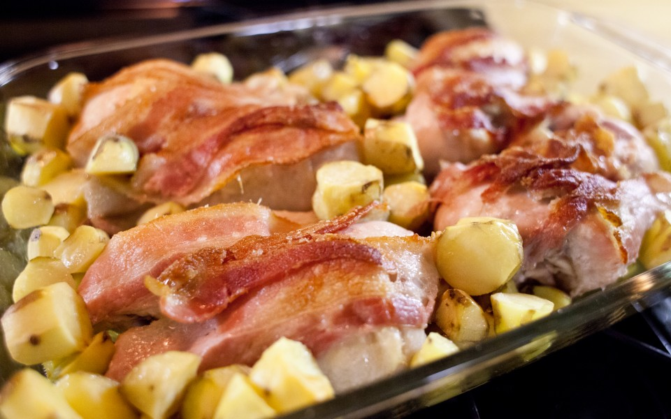 Bacon Garlic Chicken Legs and Finger Potatoes