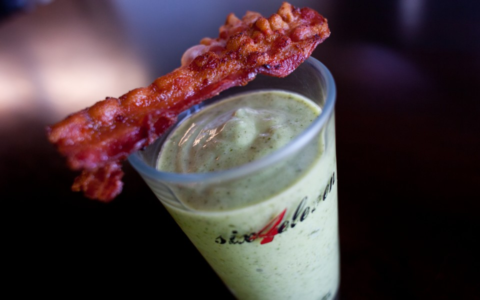 Bacon and egg green smoothie
