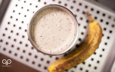 Coconut Banana Berry Smoothie