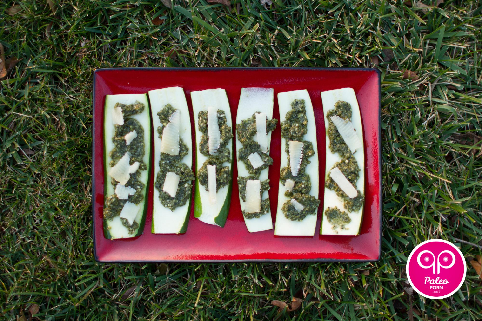 Paleo Pesto Zucchini
