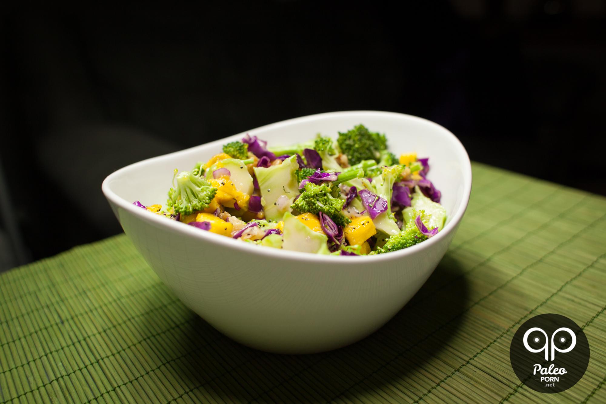 Salat mango broccoli