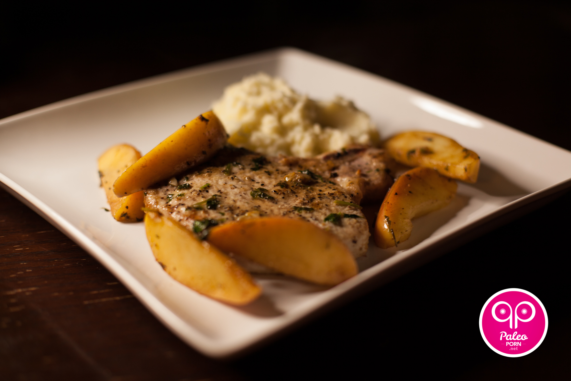 Paleo Pork Chops and Apples